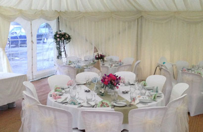 Balloons for decorating wedding venues and receptions north devon junglespirit Gallery
